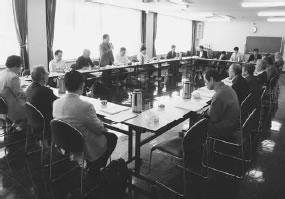 24人が出席して開かれた中東・中西医師会との懇談会