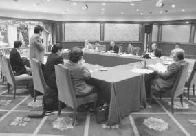 15人が出席して開かれた京都北医師会との懇談会