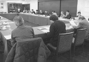 27人が出席して開かれた上東・西陣医師会との懇談会