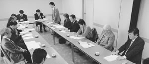 京都市担当者と懇談する協会理事者と地区からの出席者