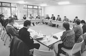 25人が出席して開かれた左京医師会との懇談会