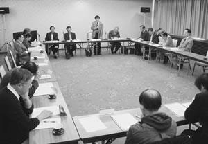 14人が出席して開かれた西京医師会との懇談会
