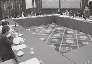20人が出席して開かれた西陣医師会・上京東部医師会との懇談会