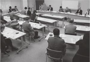 20人が出席して開かれた伏見医師会との懇談会