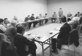 19人が参加して開かれた与謝・北丹医師会との懇談会